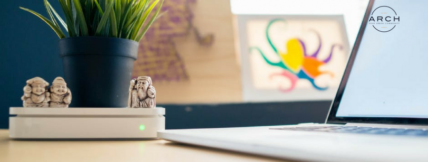 5 simple ways to spruce up your office desk
